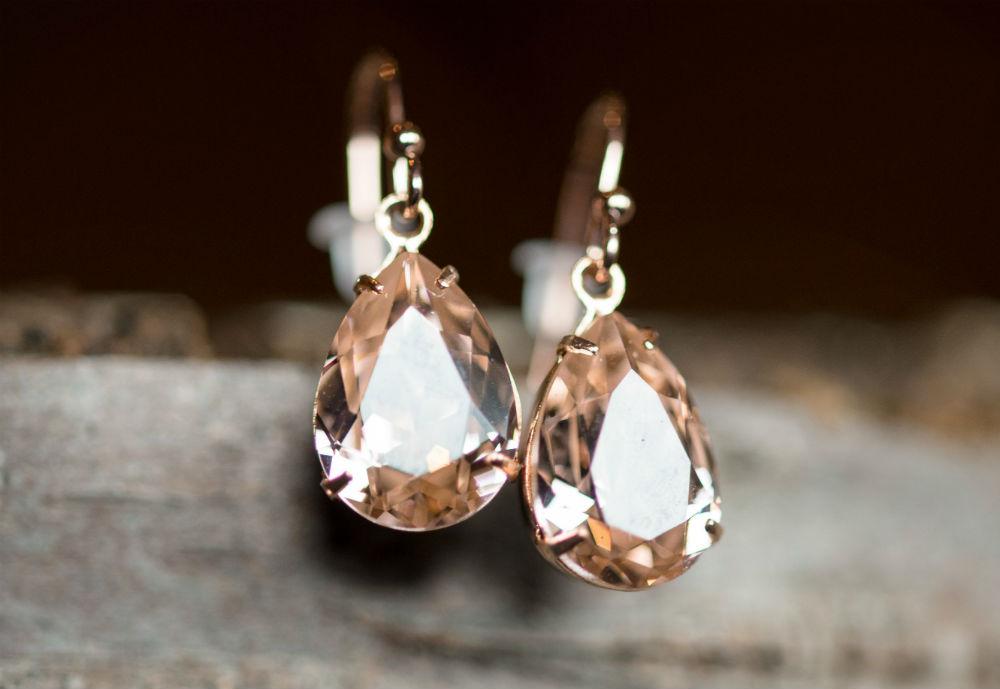 6 Minimalist Jewelry Pieces that Make a Huge Statement