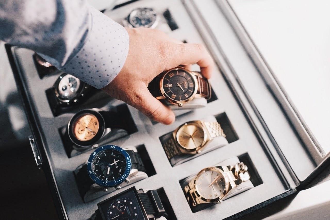 Luxury Timepieces 101: Understanding Watch Complications