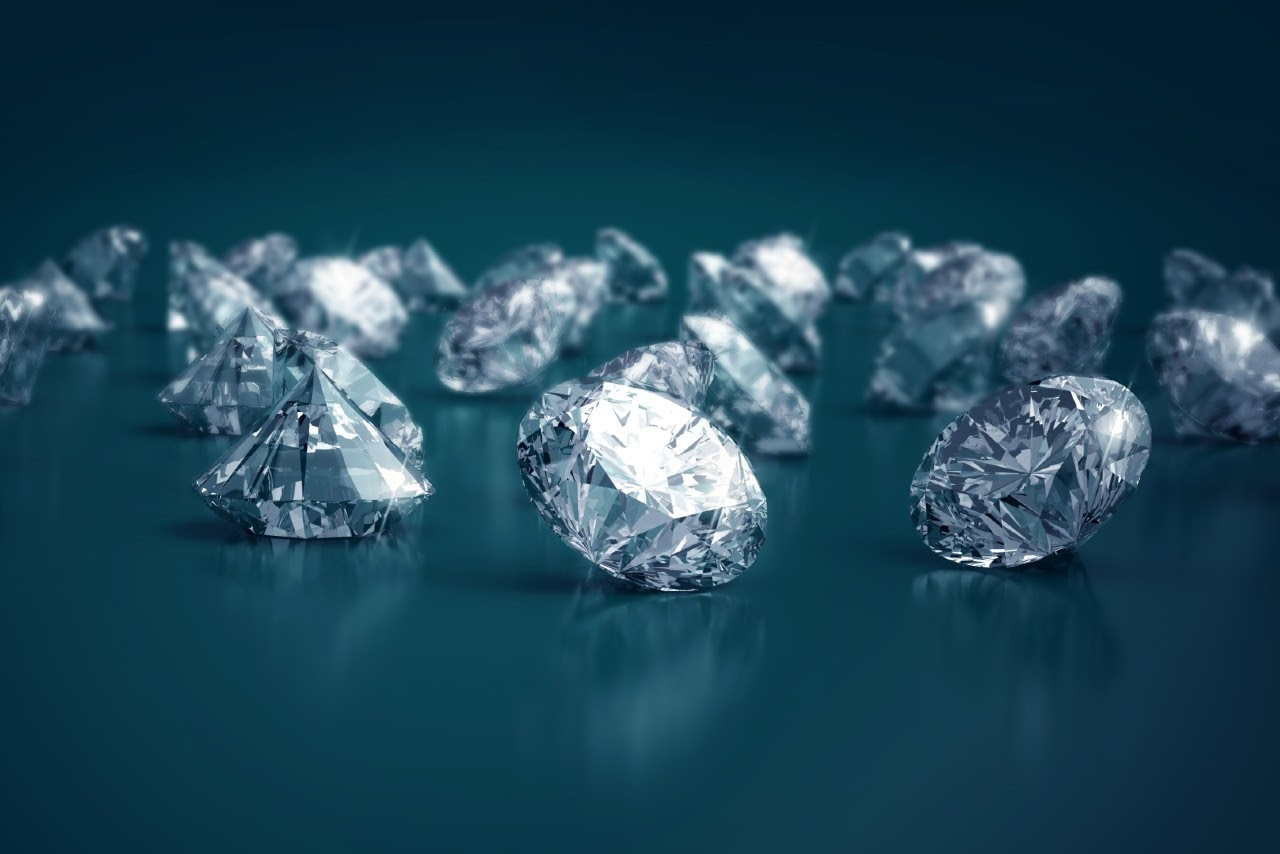 Learn the Differences Between Natural and Lab-Created Diamonds
